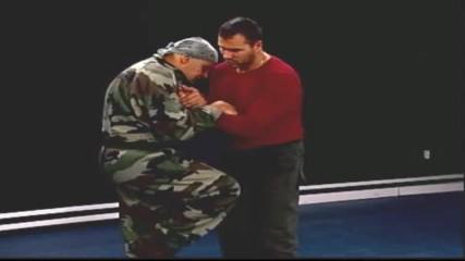 Удар с коляно - бойни действия и упражнения! - майор Франц - урок 11 - Проект Самозащита