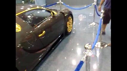 Ето така изглежда Bugatti Veyron от злато и карбон...