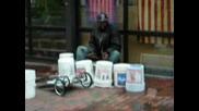 Уличен барабанист или професионалист ?