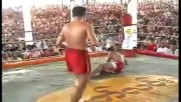 Бирмански бокс срещу муай тай