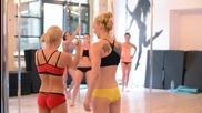 Една тренироовка на момичета Pole Dance