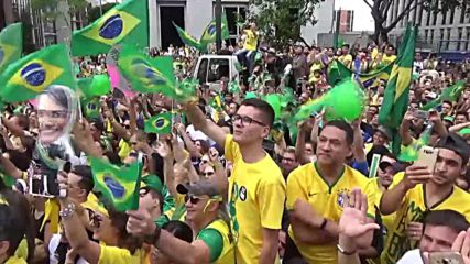 Brazil: Bolsonaro supporters flood the streets of Sao Paulo