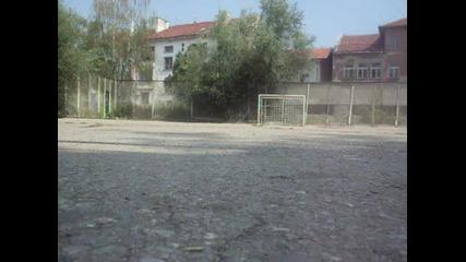 Много здрава греда на Италянски нападател ;dd