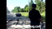 policai s Dodge Charger mota gumi