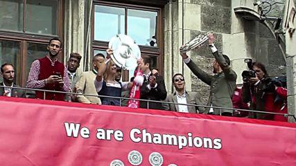 Germany: FC Bayern celebrate Bundesliga title win at Munich town hall