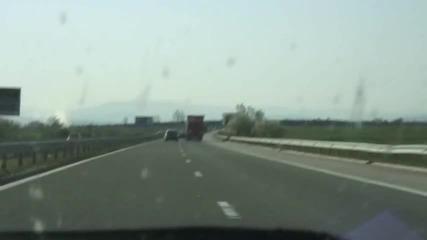 Бмв М5 гони Порше 997 на магистрала Тракия с над 260 км/ч