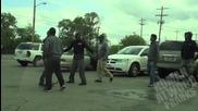 Kакво се случва, когато малоумник се опитва уж да краде гориво от автомобилите на хората!