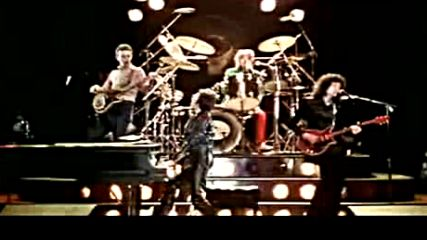 Queen - Don t Stop Me Now Official Video