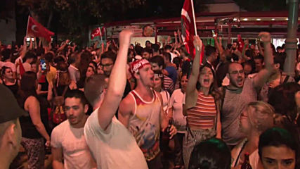 Turkey: Thousands take to Istanbul streets to celebrate Imamoglu's victory