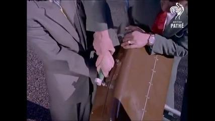 От този куфар и крадците се пазят!