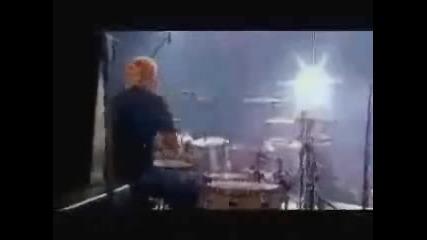 Avril Lavigne - My Happy Ending (Paris Live)