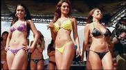 * Забавно * ™ Extreme Autofest 2010 Bikini Model Gogo Dancing