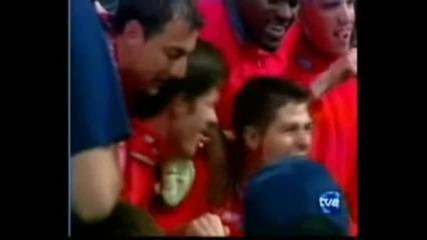 Капитанът на Ливърпул се целува с Алонсо