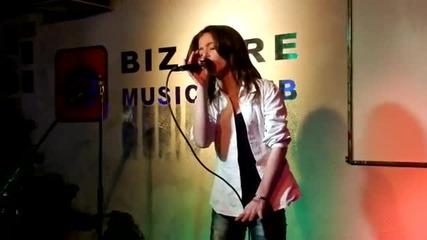 Лидия Стаматова 2012y - karaoke club Bizarre - Hurt