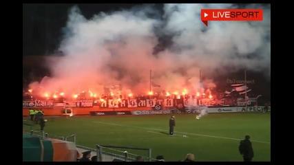 Феновете на Литекс и Локомотив правят огнено шоу !