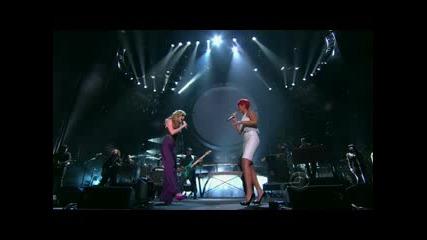 Rihanna & Jennifer Nettles - California King Bed (acm Awards)