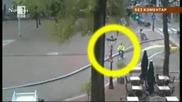 Колоездач избегна на косъм смъртта