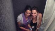 Цицолюбивата фотокабинка в Юнивърсъл Студиос