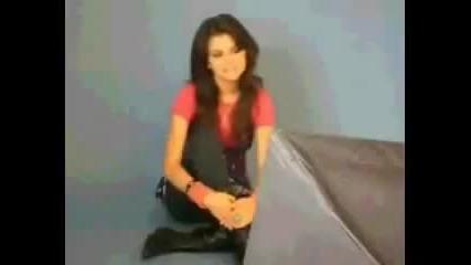 Selena Gomez singing Hannah Montanas - Rockstar -