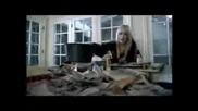 Клипче За Сладуранката Hilary Duff
