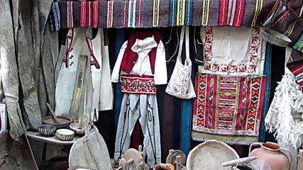 Етнографска сбирка в село Говежда отива на боклука