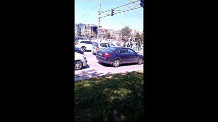 Протестиращи блокираха ключово кръстовище в центъра на София