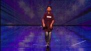 11 Годишно момиче изуми журито на Британия Търси Талант 2013 с гласа си и сценичното си поведение !