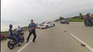 Моторист бяга от полицейска блокада.