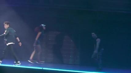 Violetta Live: 08. Voy por ti Париж Франция