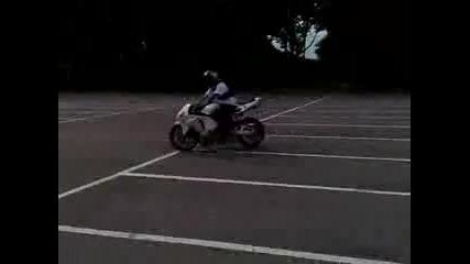 Stunt - Bike Practise Honda Cbr