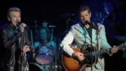 Johnny Hallyday - Blueberry Hill En Duo avec Chris Isaak - La Cigale 2006 (single edit) (Оfficial video)