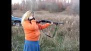 Дебела блондинка с помпа (shotgun)