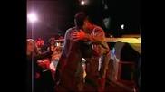 Преслава Връчва Награда На Борис Дали За Най-прогресиращ изпълнител на 2006 година на 5-ти годишни Музикални Награди на Телеви