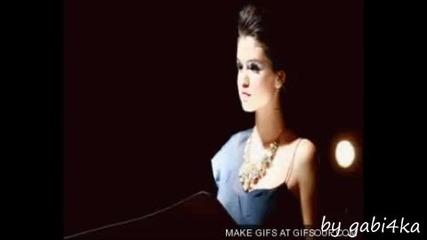 Selena Gomez is alone^^