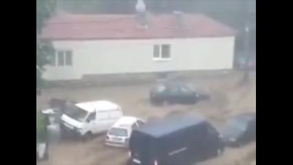 Потоп във Варна, най-малко 11 души са загинали