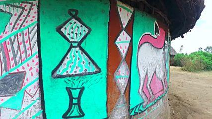 Красиво изрисуваните домове на племето Алаба (
