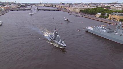 Russia: Major parade marks Navy Day in Saint Petersburg