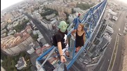 Лудо селфи на 170 метра над земята!