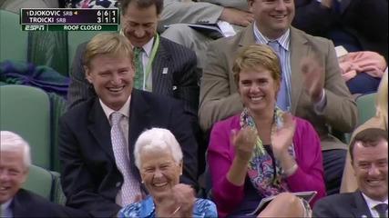 Фен дава наставления на тенисист, които се оказаха положителни!