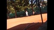 Влади играе тенис за първи път от 6 години насам