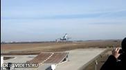 Руски изтребител МиГ-29 излита от трамплин