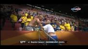 Смях!!! Футболистка си разменя тениската с фен