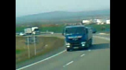 малък конвои от камиони
