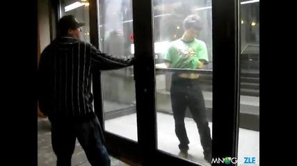 Пиян срещу врата смях ;d