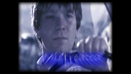 Зад сините очи на Юън Макгрегър!!!