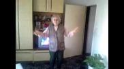 Бабичка играе кючек