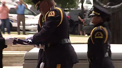 USA: Officers pay tribute to killed Dallas officer