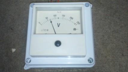 Измерване на изходното напрежение в радиовъзел Плевен