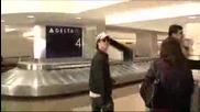 Ian Somerhalder и Nina Dobrev на летището