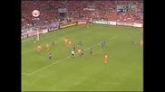 Рууд Ван Нистелрой се шегува с играч на Андора!